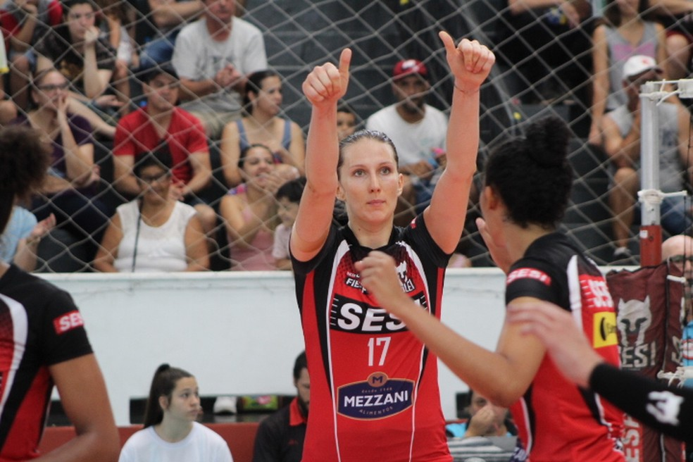 Sesi Bauru aposta em Polina para semifinais da Superliga feminina